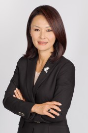 Gloria Oh's picture with arms crossed